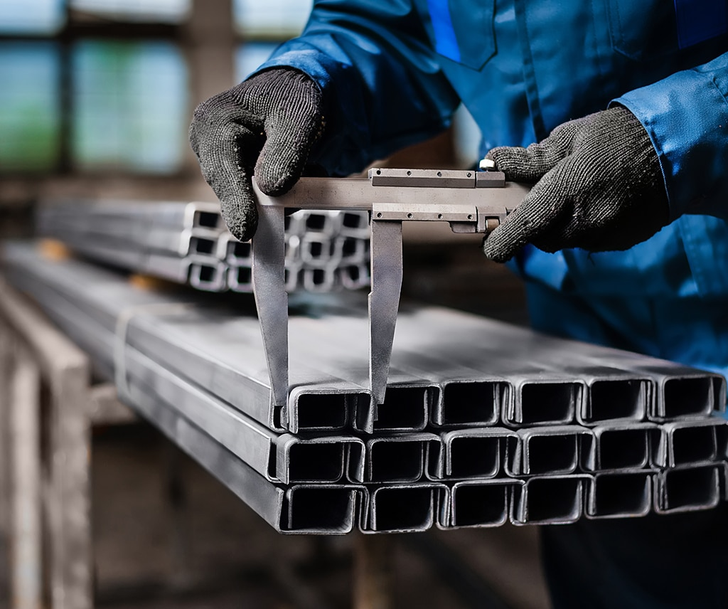 1 Advantages and Disadvantages of Changing Fabrication Suppliers